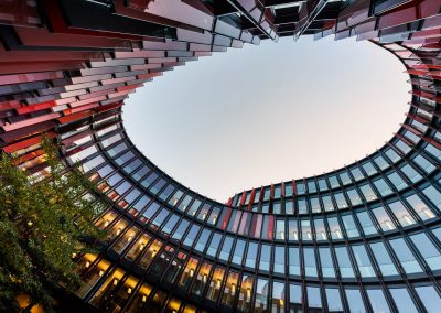 Bürogebäude Innenhof Köln