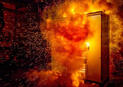 explodierender Schaltschrank, Lichtbogen